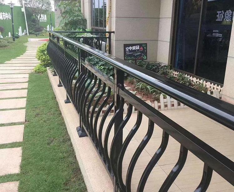 铁艺阳台护栏案例二