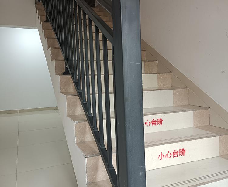 铁艺楼梯扶手实用案例